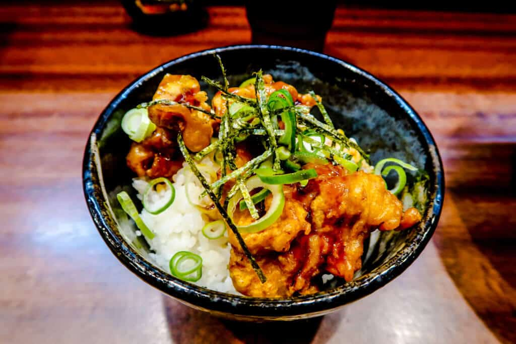 Fried chicken in bowl at Musoshin