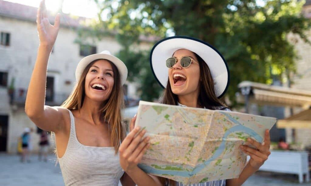 women on travel tour